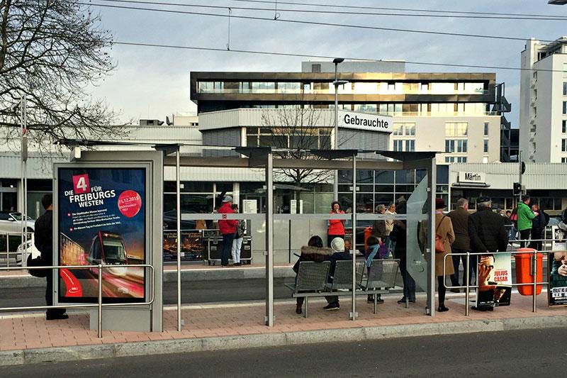 Schiffmann Fahrgastunterstand S-Line an der neuen Linie 4 in Freiburg