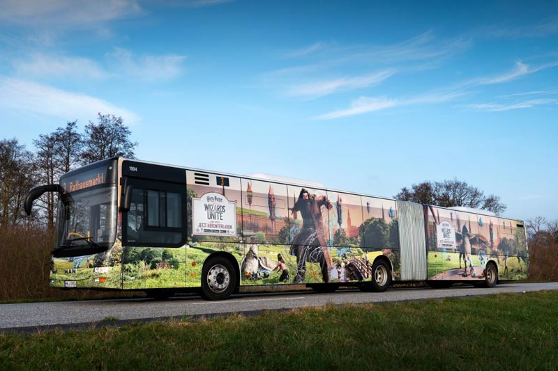 Aufwändige Bus-Beklebung des VHH-Busses Harry Potter