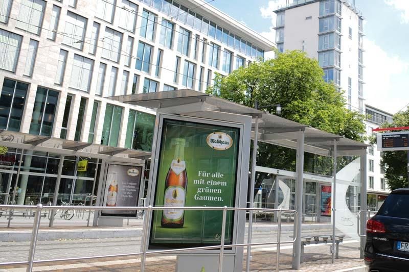 Waldhaus-Plakatkampagne in CLP an Fahrgastunterständen in Freiburg