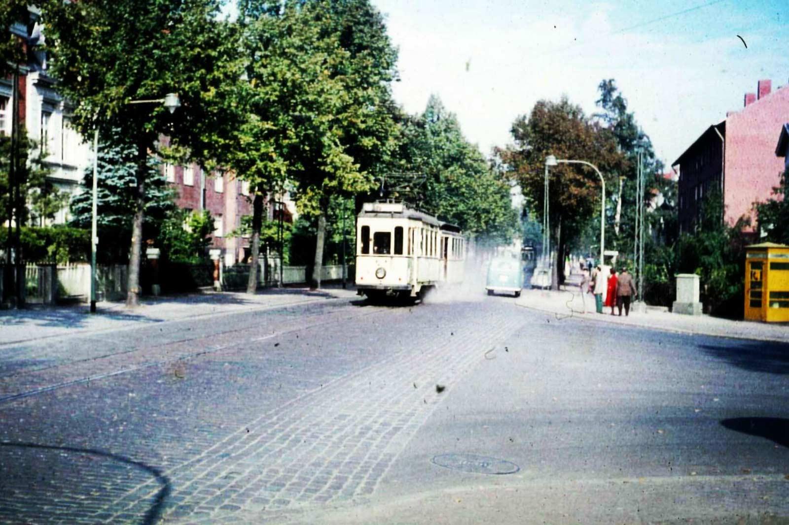 alte Straßenbahn in Lübeck